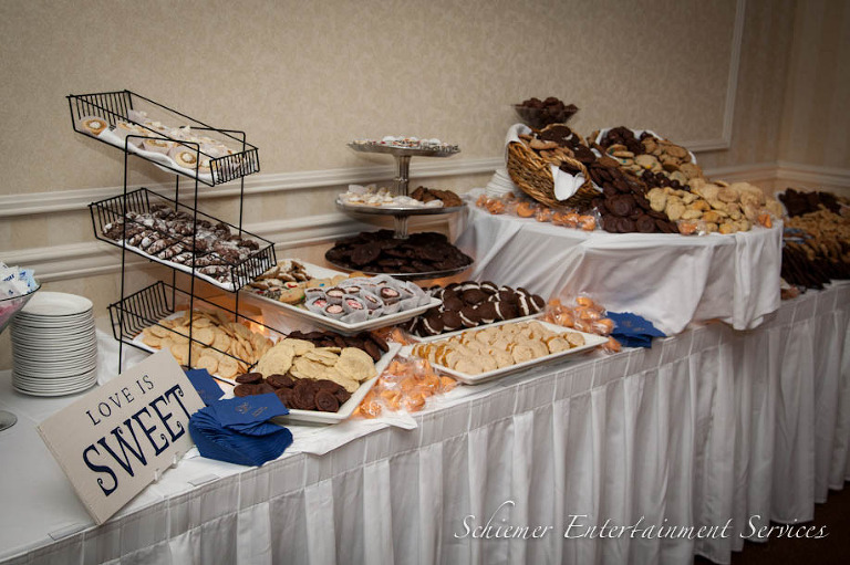 Cute Wedding Reception Signs Cookies